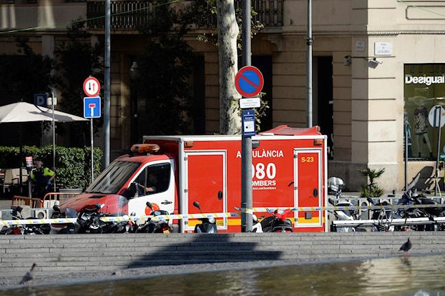Ambulans på gata.