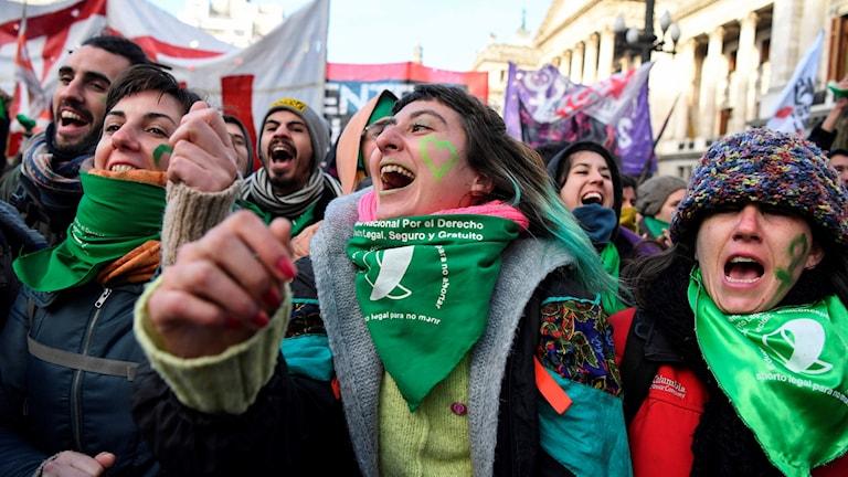 Aktivister för fri abort utanför kongressen.