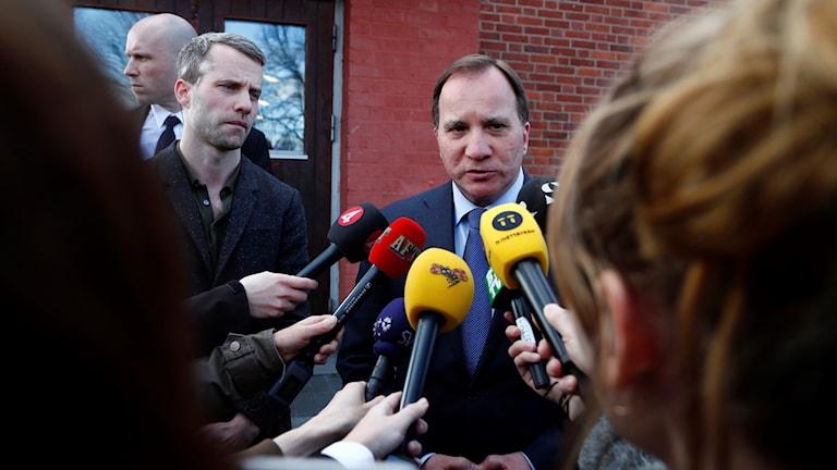 Statsminister Stefan Löfven kommenterar händelsen i Stockholm där en lastbil kört in i en folkmassa.