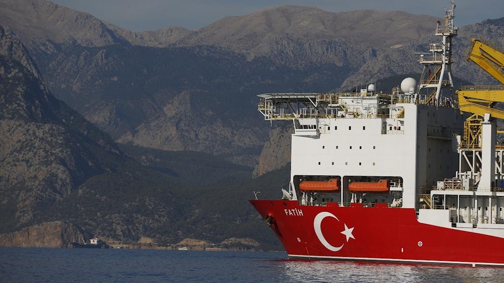 Nya spänningar har blossat upp mellan Turkiet och Grekland om energirättigheter i Medelhavet.