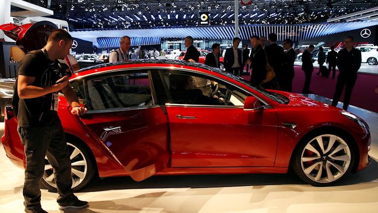 Tesla kör om Mercedes och BMW