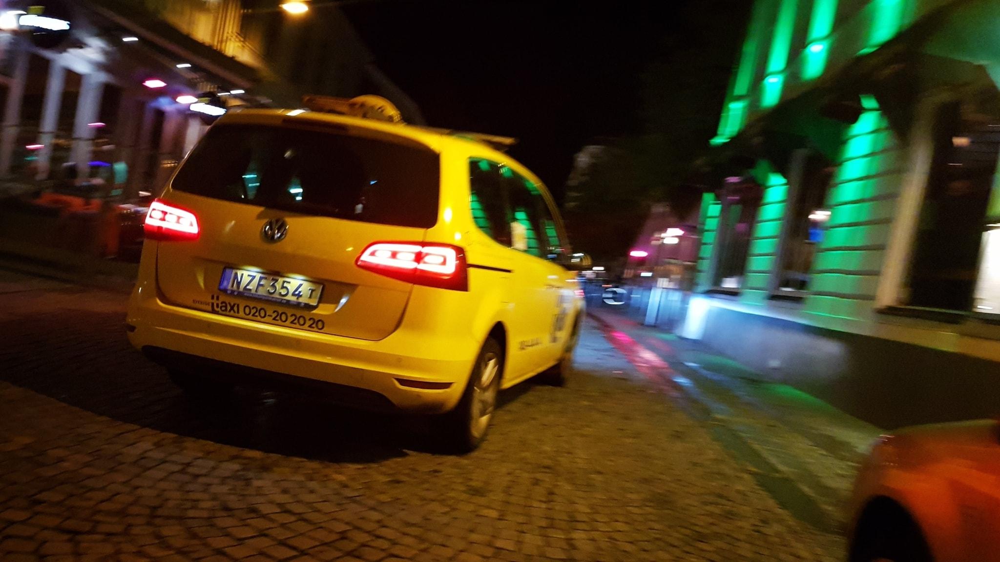Taxichauffor ranad av kund