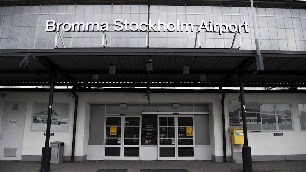 Ingången till Bromma flygplats
