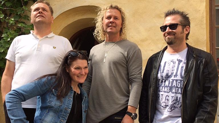 Ensemblen för Grillat och gårdsopera: Thomas Björklund Svensson, Ida Seve, Morgan Mojje Johansson och Niklas Brevestedt.