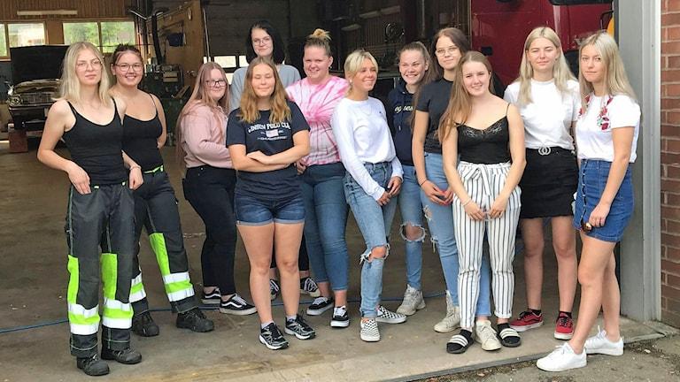 Flera tjejer från fordonsprogrammet i Hultsfred.