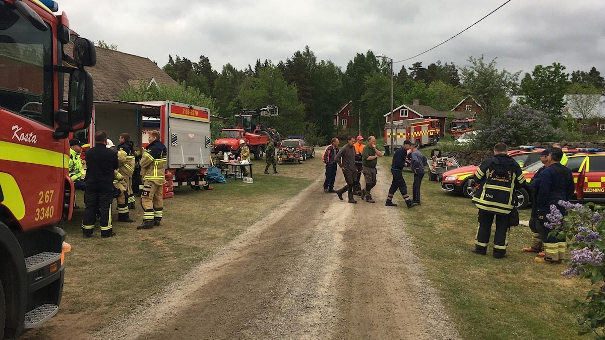 Mycket personal fanns på plats för att bekämpa branden under måndagsmorgonen