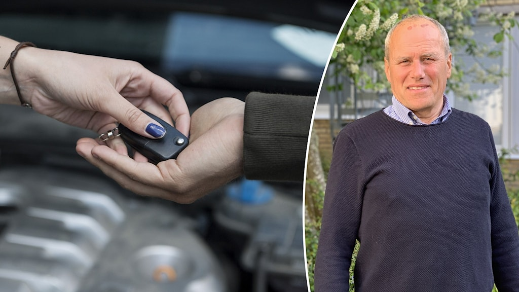 En hand som lämnar över en bilnyckel till en annan hand.