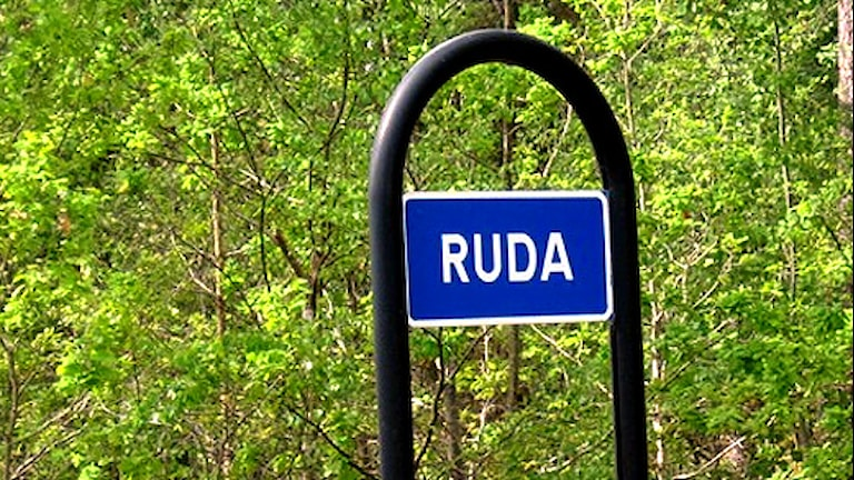 Ruda-skylt. Foto: Janne Rindstig/Sveriges Radio.