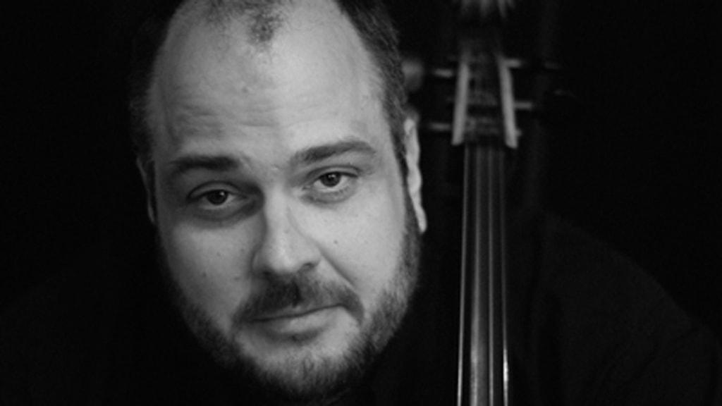 Per Nyström med sin cello.