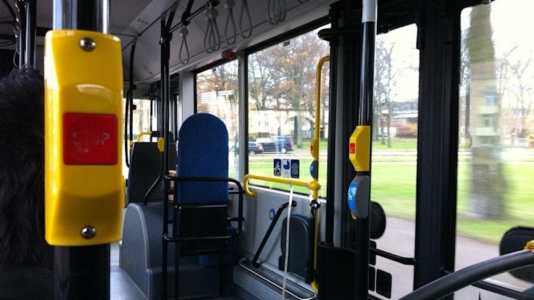 Interiör i en buss. Foto: Nick Näslund/Sveriges Radio