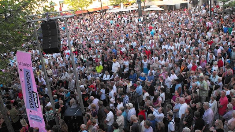 Publik på Larmtorget. Foto: Elin Ericsson/Sveriges Radio
