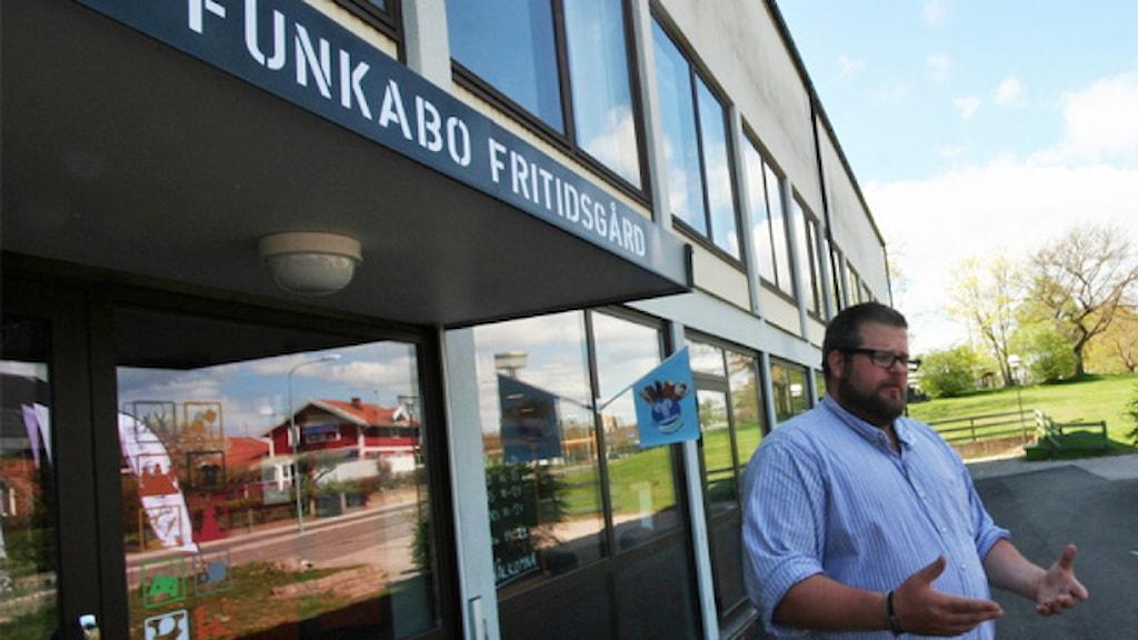 Mats Gröhn vid Funkabo fritidsgård. Foto: Nick Näslund/Sveriges Radio