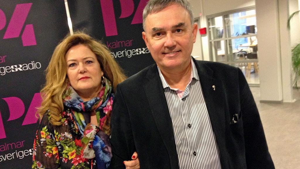Författarparet Lena Ebervall och Per E Samuelsson.