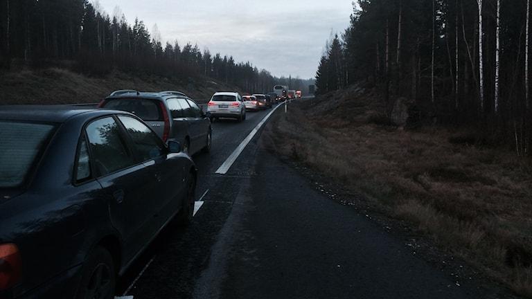 Ett busshaveri orskakade långa köer vid Boda på morgonen: Foto: Tobias Sandblad