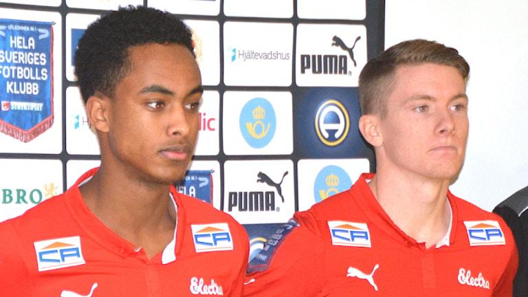 Muktar Ahmed och Victor Agardius. Foto: Björn Andersson