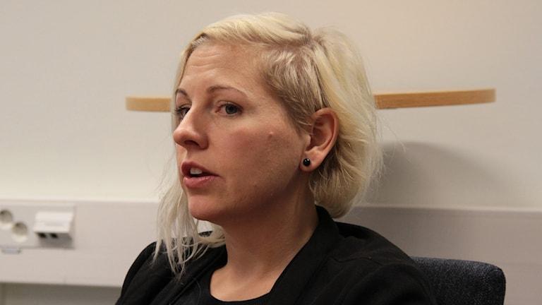 Beatrice Solhjort, integrationshandläggare på Länsstyrelsen. Foto: Leif Johansson/Sveriges Radio.