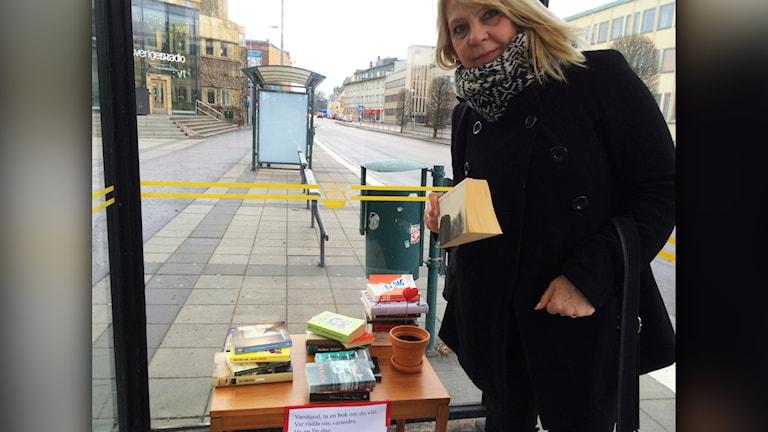 Bokbord. Foto: Tobias Sandblad/Sveriges Radio