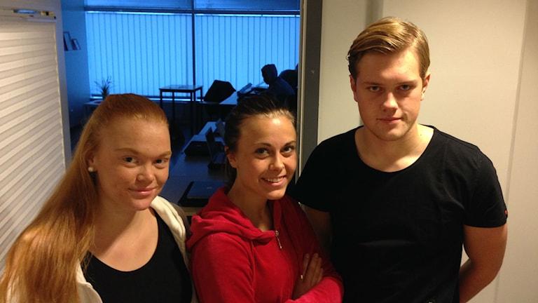 Elise Abrahamsson, Sofia Petersson och Oskar Engström. Foto: Erika Norberg/Sveriges Radio