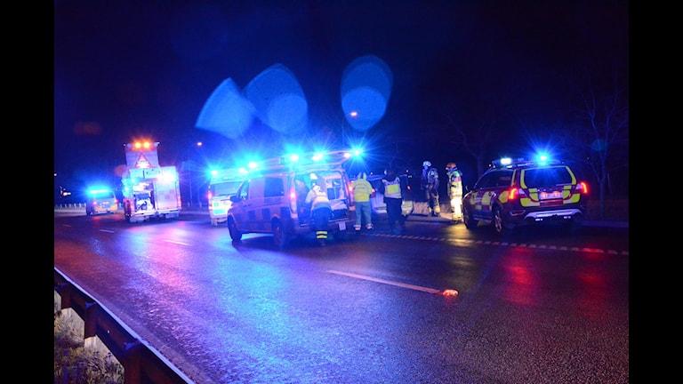 Fyra personer åkte i bilen som körde av vägen vid Kalmar dämme. Foto: Helmuth Petersson