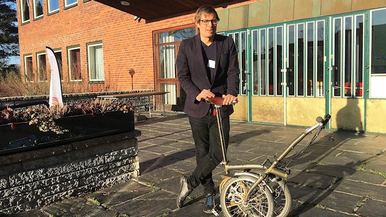 David Sennerstrand med en variant av en cykel.