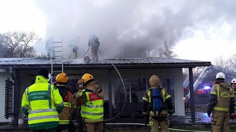 Villabranden i Rinkabyholm blev svårsläckt. Foto: Helmuth Petersson