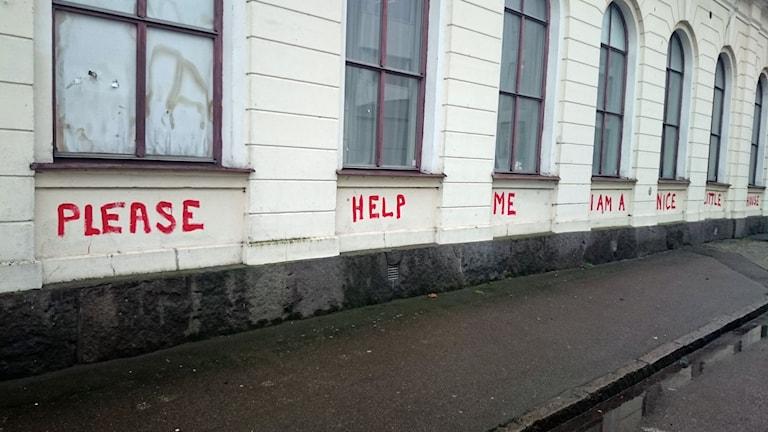 Känslosamt klotter på IOGT-NTO-huset som ska rivas i Kalmar.
