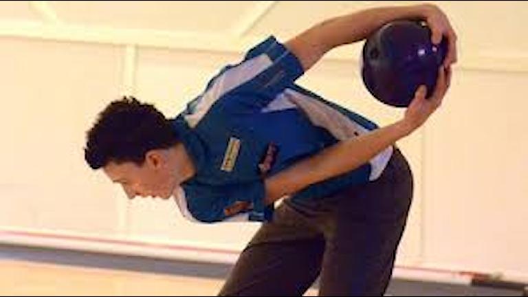 Jesper Svensson tog tung bowlingtitel. Foto: SR