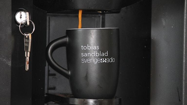 P4 Kalmars reporter Tobias Sandblads egen kaffekopp.