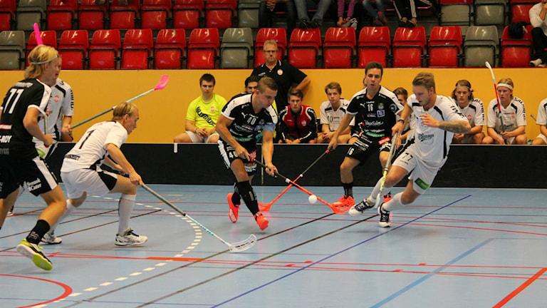 FBC Kalmarsund möter Östra SK Jönköping i Kalmar Sporthall. Foto: Viola Lindberg/Sveriges Radio.
