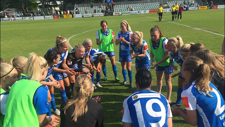 IFK Kalmar-spelare jublar