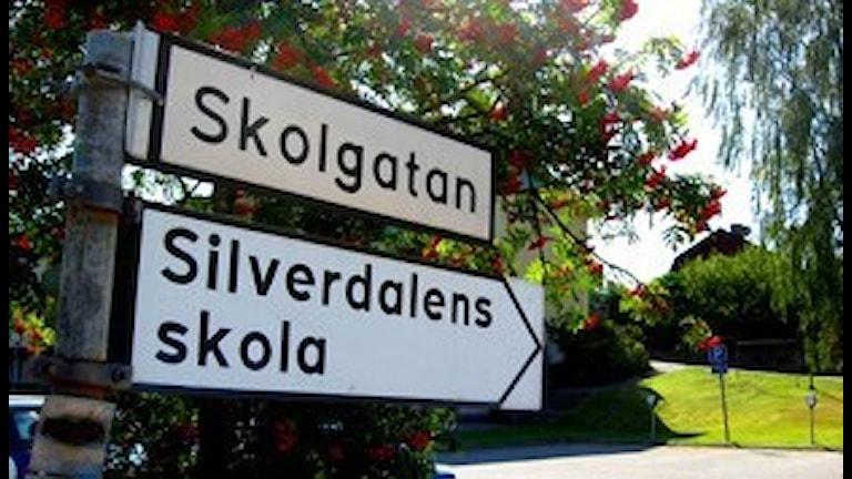 Silverdalen skylt skola. Foto: Anders Nyberg/Sveriges Radio.