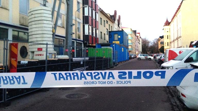 Polisavspärrning på Unionsgatan i Kalmar. Foto: Sigrid Edsenius/Sveriges Radio