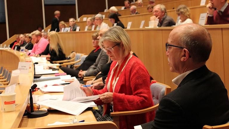 Landstingsfullmäktige diskuterar budget. Foto: Johanna Lindblad Ahl/Sveriges Radio.