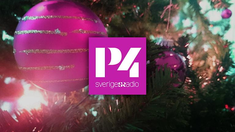 Julgran och P4-logga. Foto/kollage: Nick Näslund/Sveriges Radio