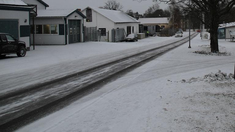Gata i snö. Foto: Leif Johansson/Sveriges Radio