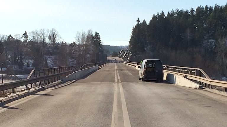 Bil på Skramstadbron