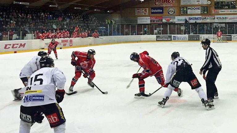 Västerviks IK mot Asplöven HC.