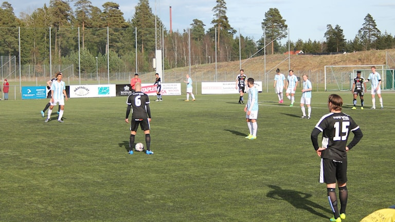Linsdsdals IF vann seriepremiären mot IFK Hässleholm med 2-0 på Fjölebro IP.