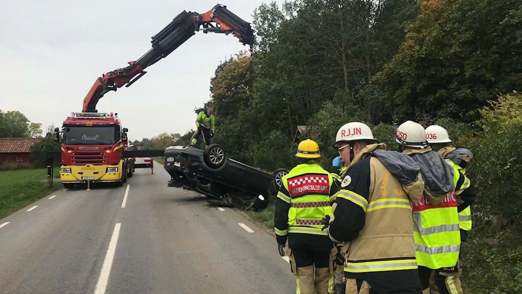 Trafiken leds om efter trafikolycka på Öland.