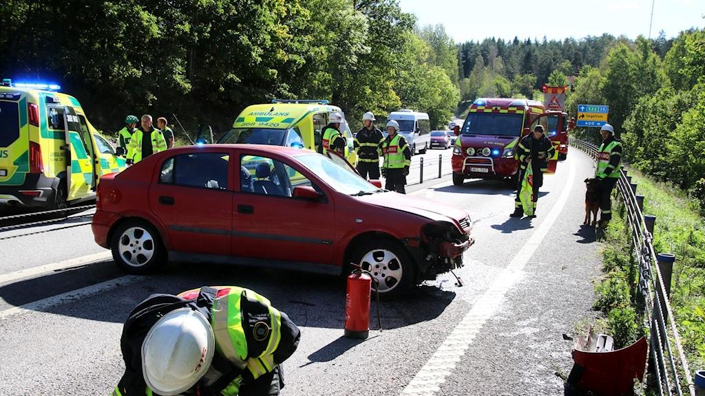 En personbil som varit med i en olycka.
