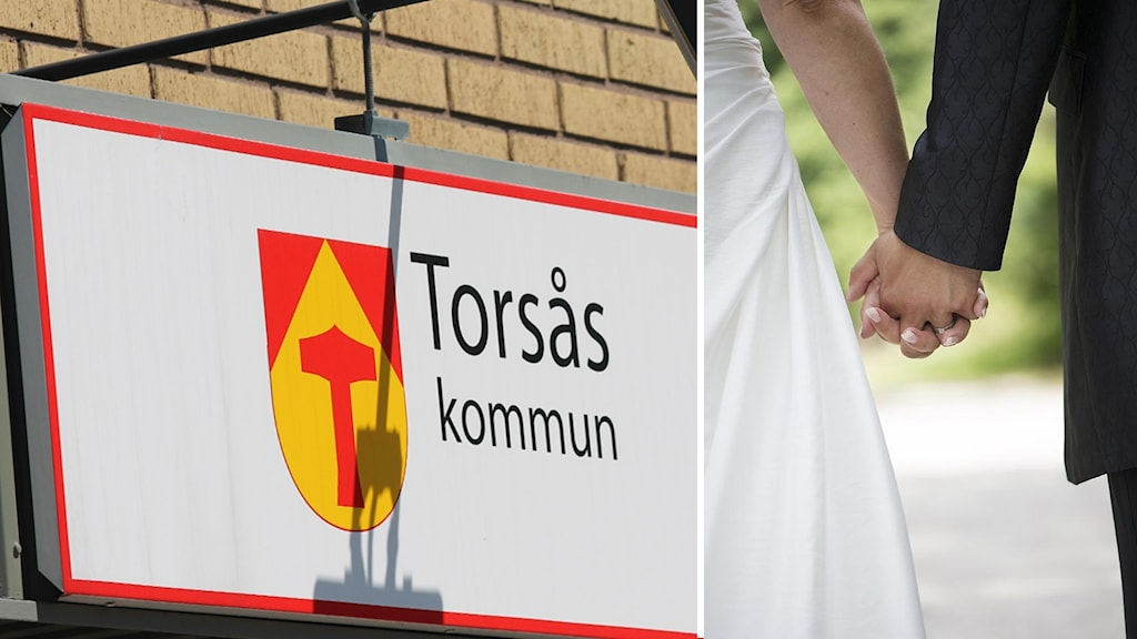 """En skylt med texten """"Torsås kommun"""" och ett brudpar som håller varandra i händerna."""
