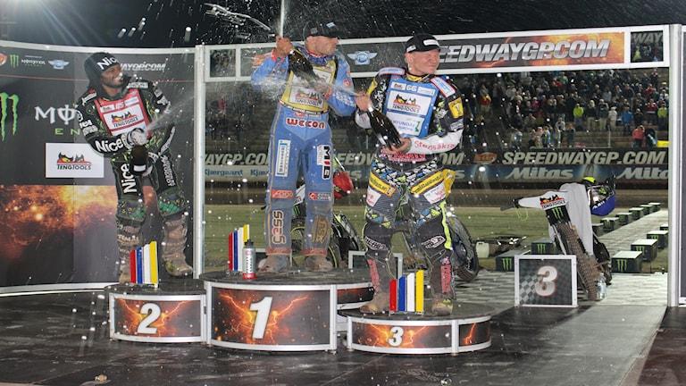 Fredrik Lindgren och Antonio Lindbäck på prispallen.