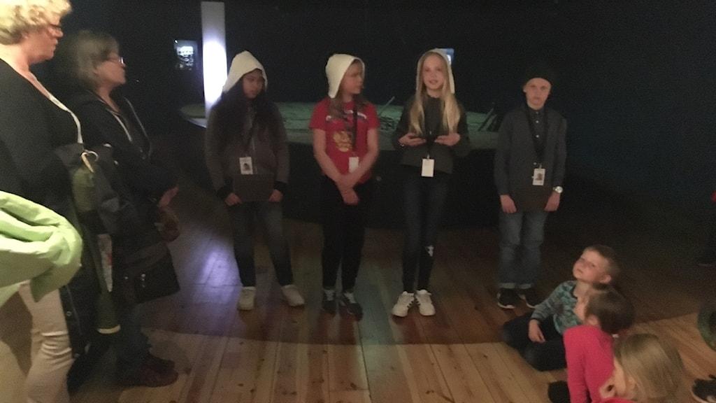 Barn talar inför folk