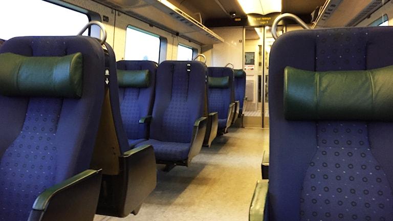 Säten inne på tåg.