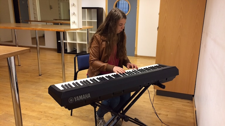 Pernilla Bengtsson ensam i skolan