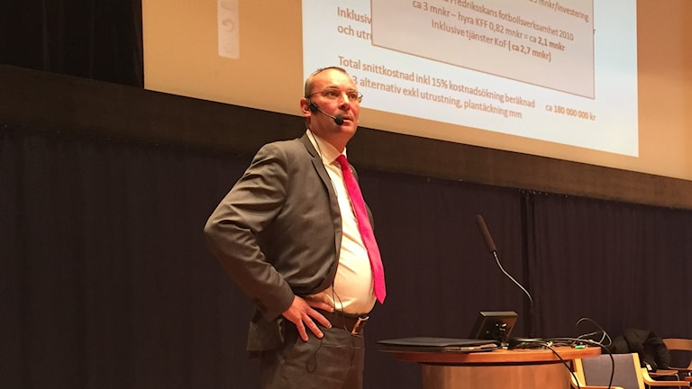 Mattias Rosenlund ordförande Kalmar FF på kommunfullmäktige