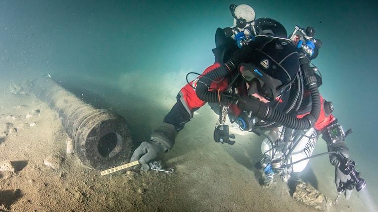 Dykare vid Regalskeppet Mars
