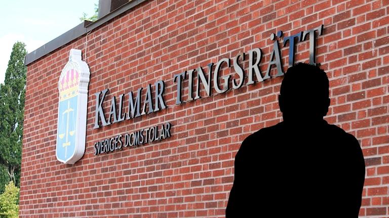 En siluette på en man framför Kalmar tingsrätt.