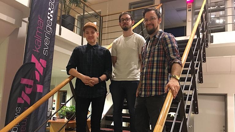 Karl-Magnus Lillqvist Sjöberg, Max Grecke och Andreas Karlsson i en trappa