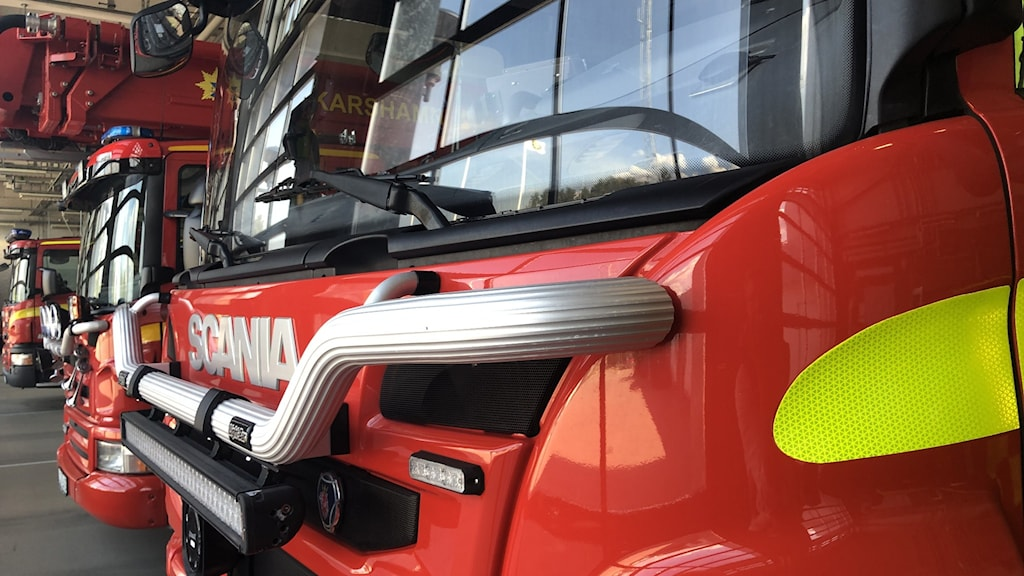 Flera brandbilar på rad i Oskarshamn.